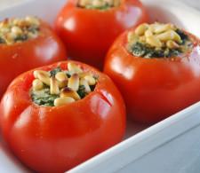 Фаршированные помидоры со шпинатом