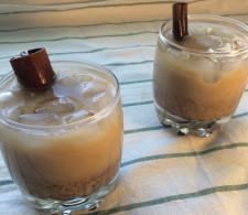 Холодный кофе с корицей