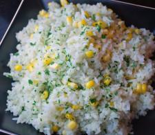 Рис с кукурузой и кинзой