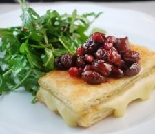 Сырный наполеон под виноградным компотом